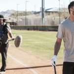 Greg Maddux pulls off impressive prank on Kris Bryant during workout shoot